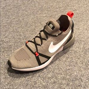 Nike Dual Racer